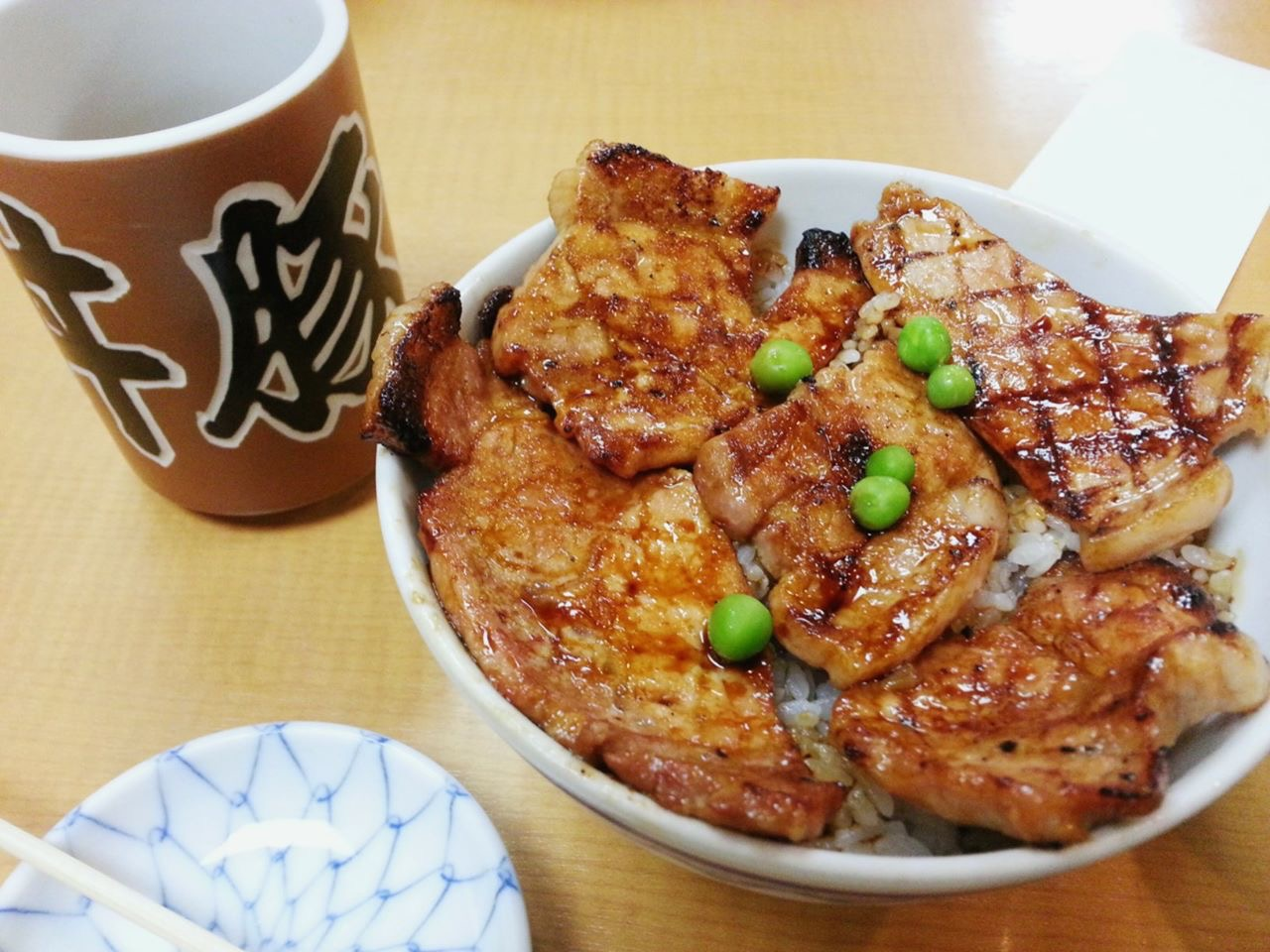 Read more about the article 元祖豚丼のぱんちょう